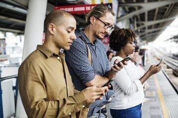 een-op-drie-nederlanders-is-smartphone-moe